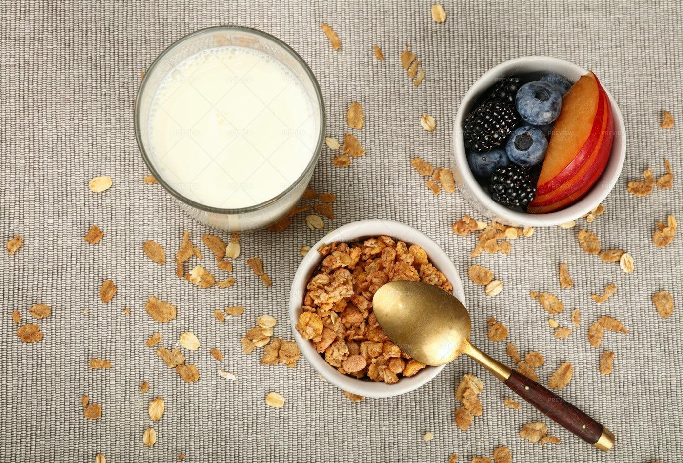 Muesli Granola Breakfast: Stock Photos