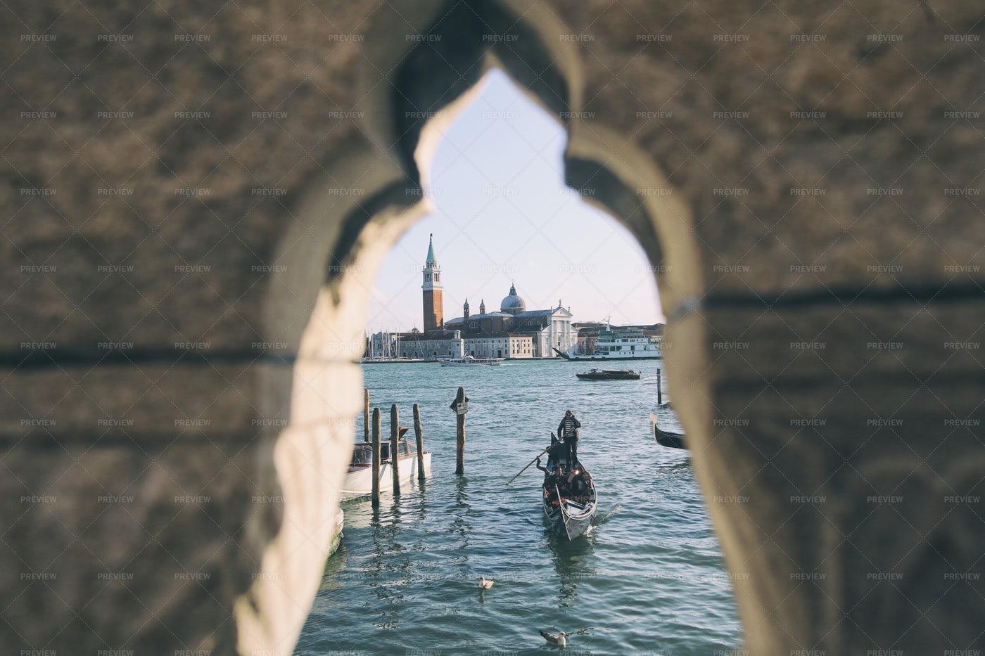 Gondola And Gondolaman: Stock Photos