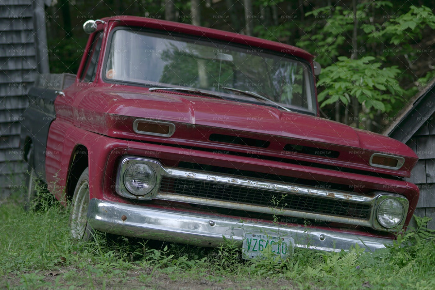Old Country Truck: Stock Photos