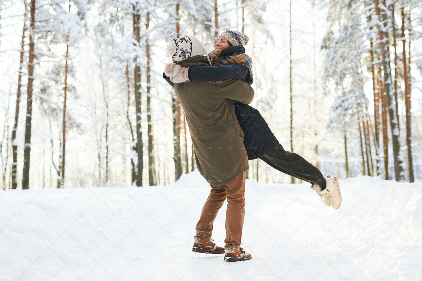 Loving Couple Enjoying  Winter: Stock Photos