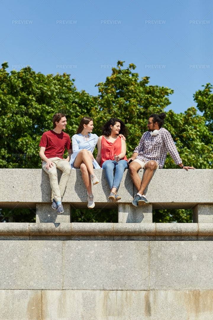 Group Of Friends In Summer: Stock Photos