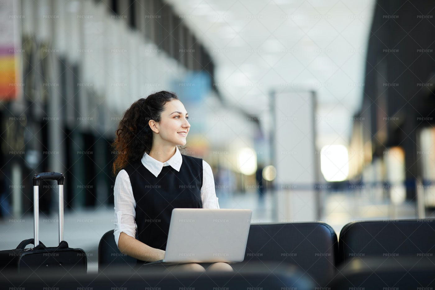 Tourist Using Laptop In Airport: Stock Photos