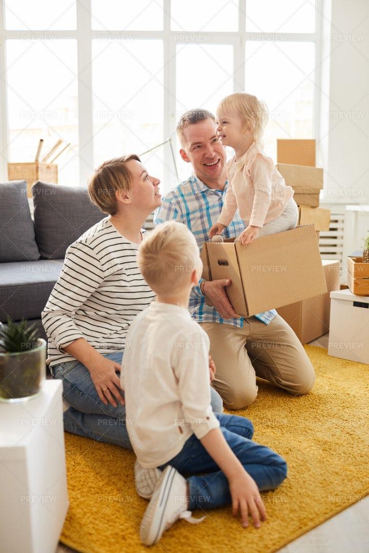 Enjoying Happiness Into New Home: Stock Photos