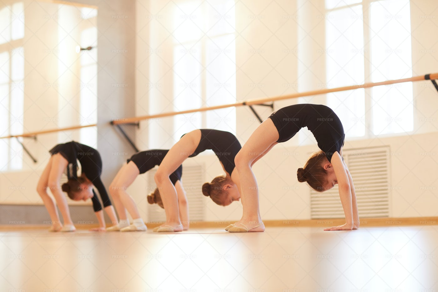 Girls Doing Gymnastics: Stock Photos