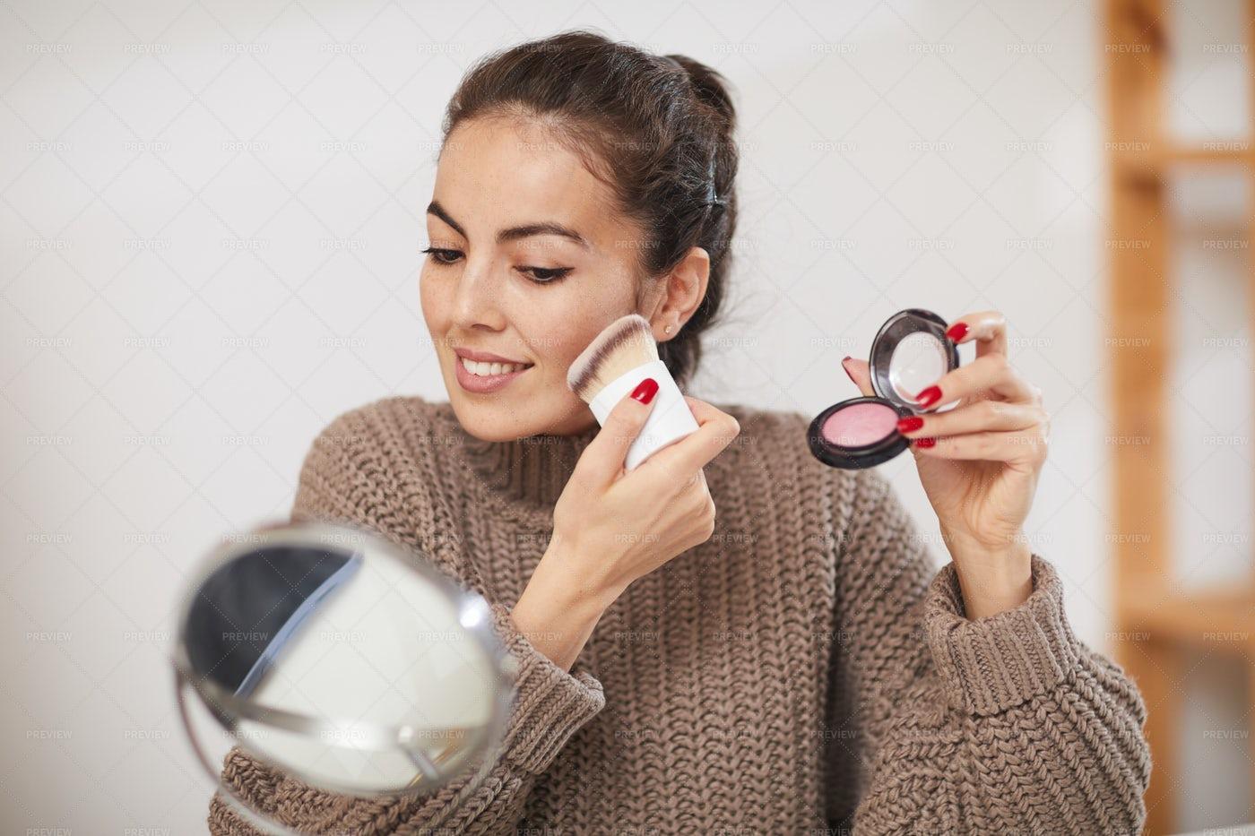 Beautiful Woman Applying Makeup: Stock Photos