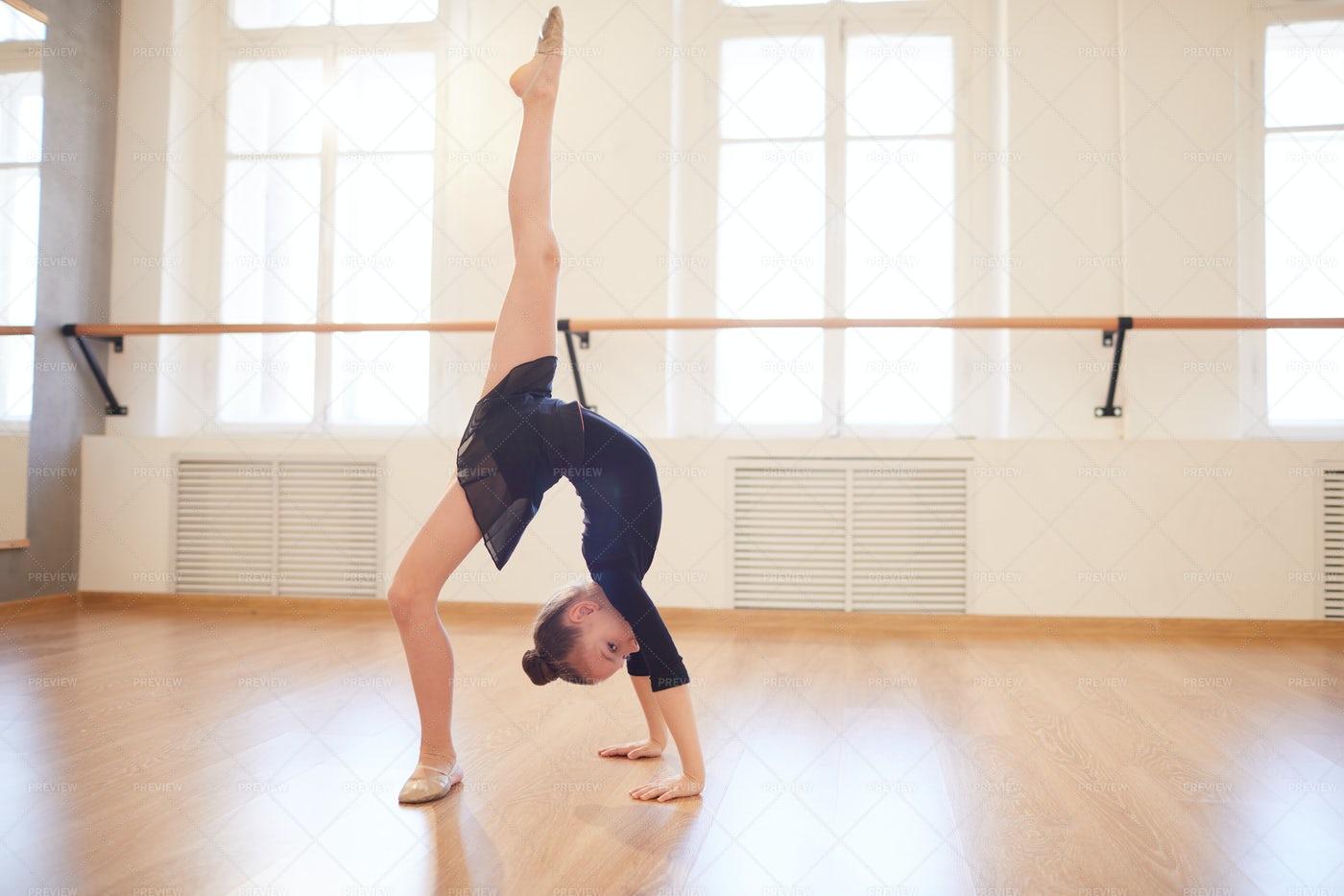 Teen Gymnast: Stock Photos