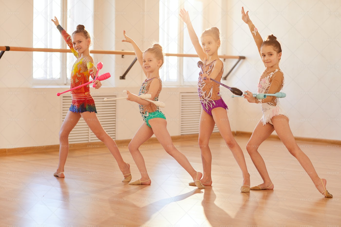 Little Gymnasts Training: Stock Photos