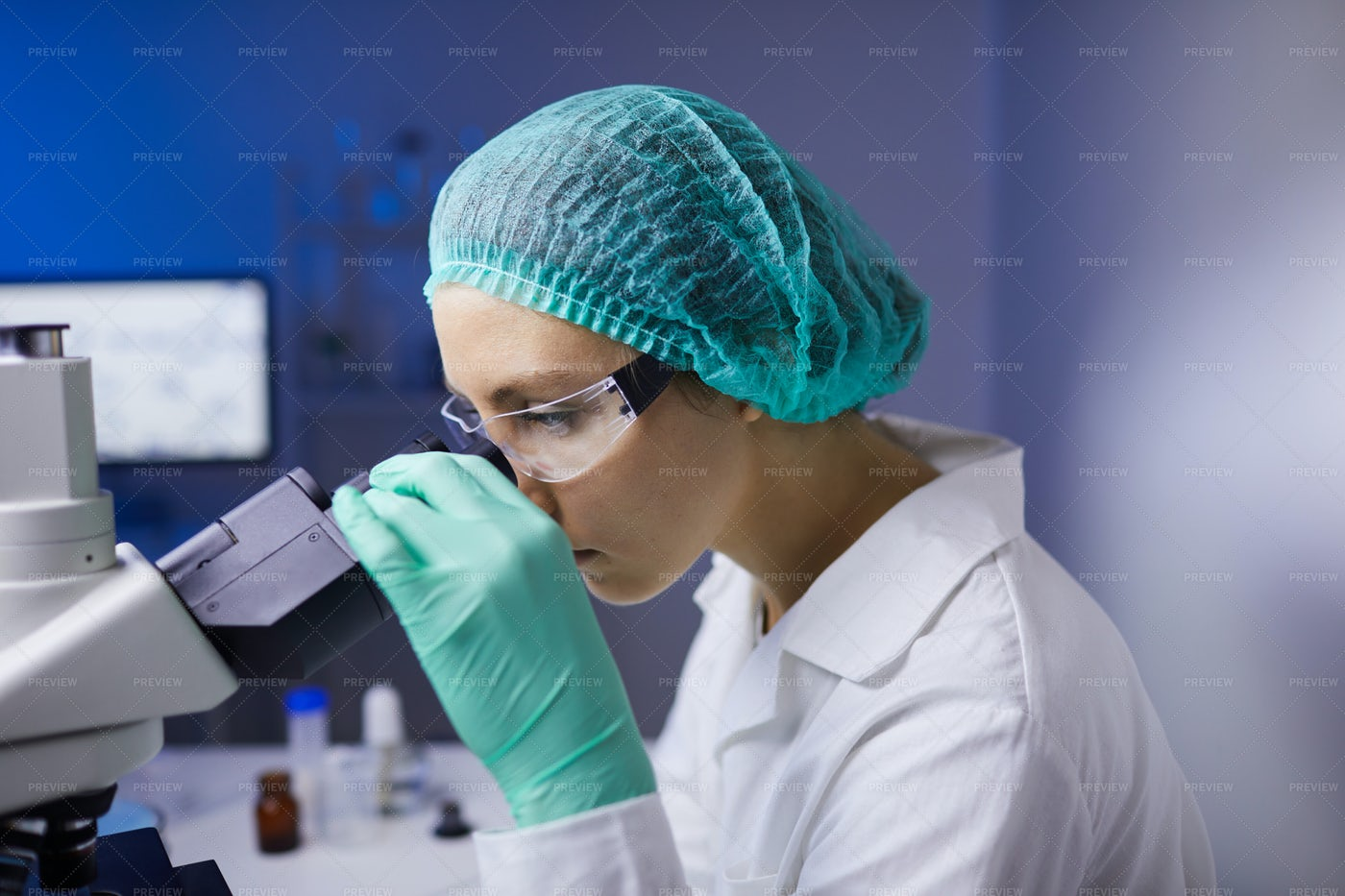 Female Scientist Side View: Stock Photos
