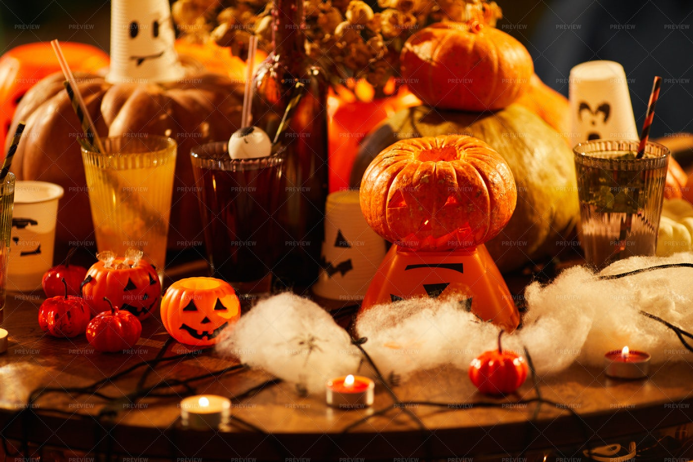 Halloween Party Decorations: Stock Photos