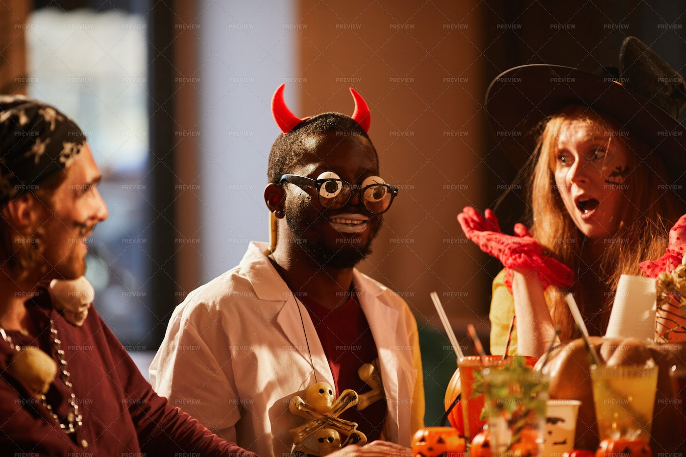 People Celebrating Halloween: Stock Photos