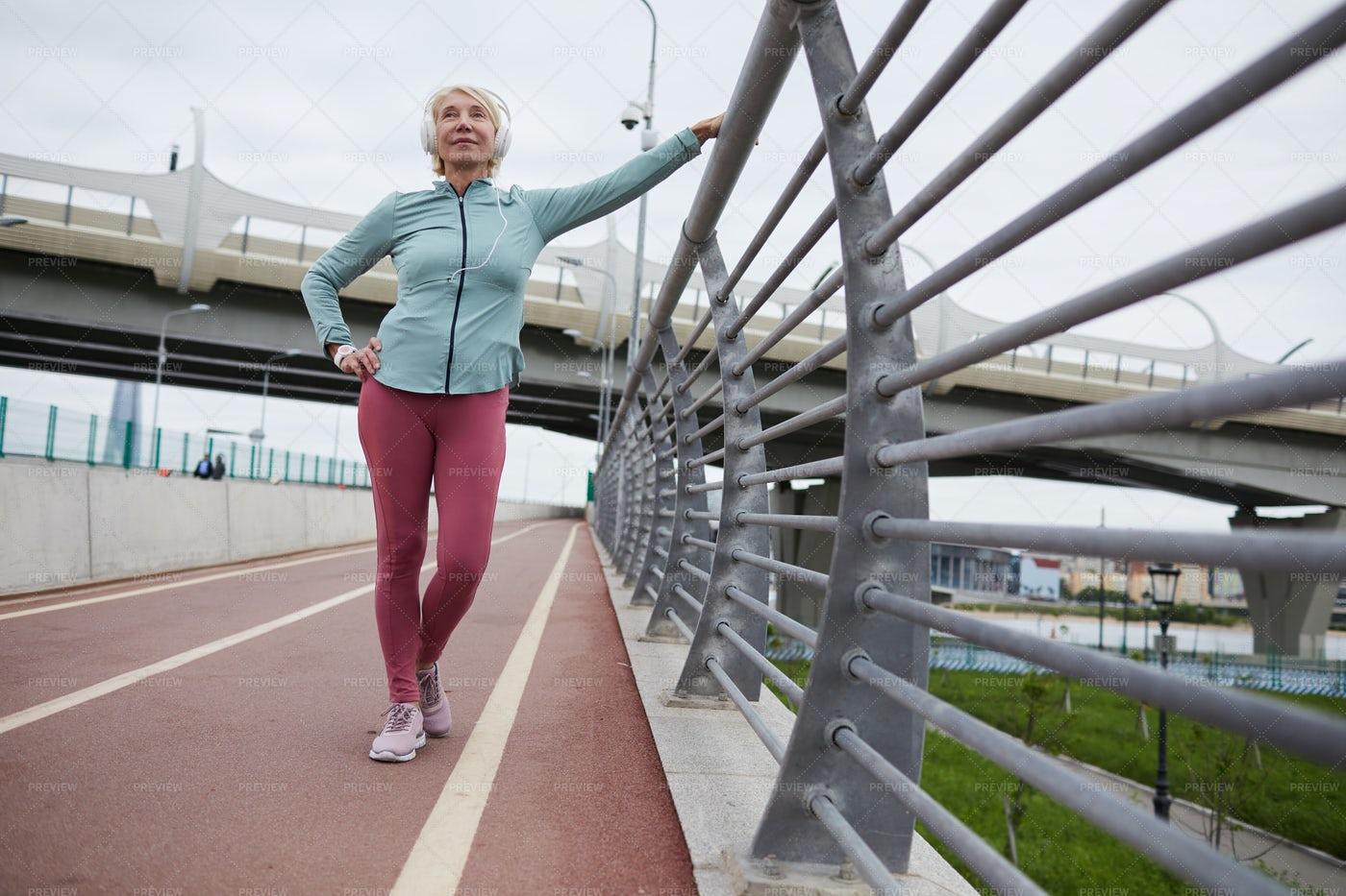 Mature Sportswoman: Stock Photos