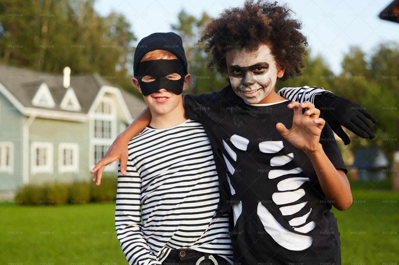 Friends Posing On Halloween: Stock Photos