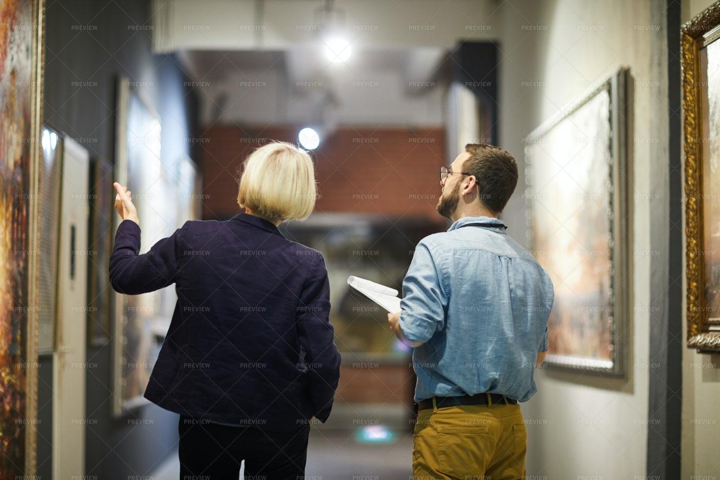 Museum Exhibition Tour: Stock Photos