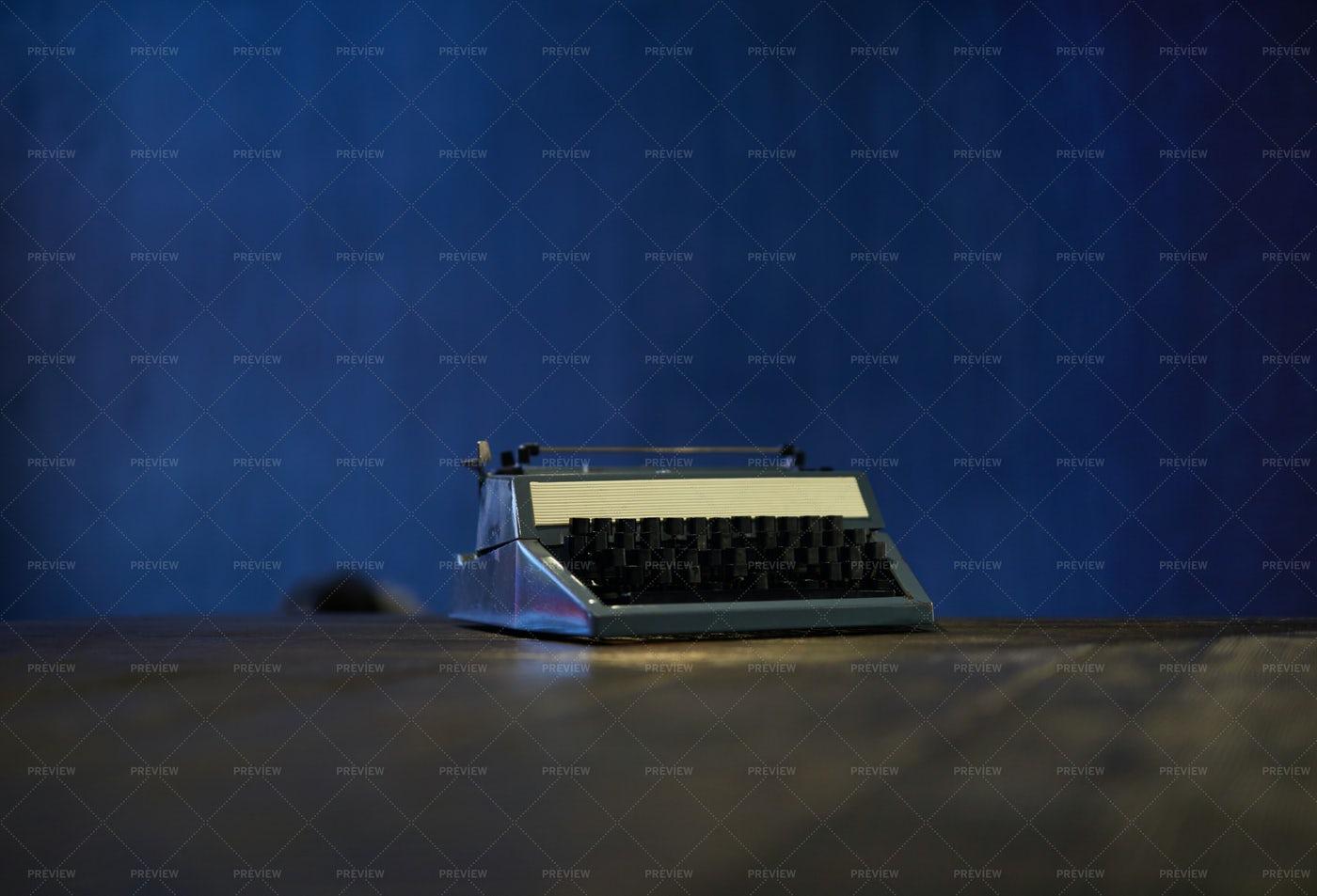 Vintage Typewriter: Stock Photos