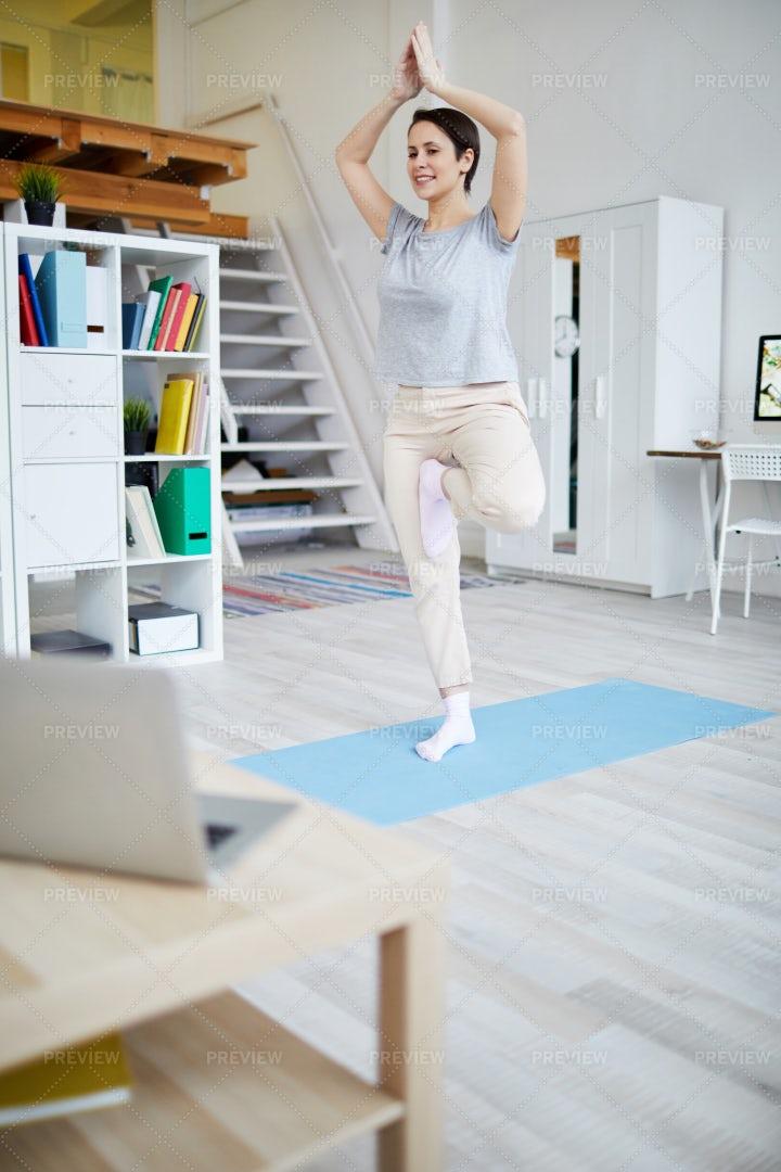 Woman Doing Yoga: Stock Photos