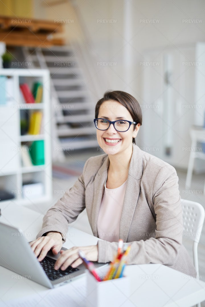 Female Business Owner: Stock Photos