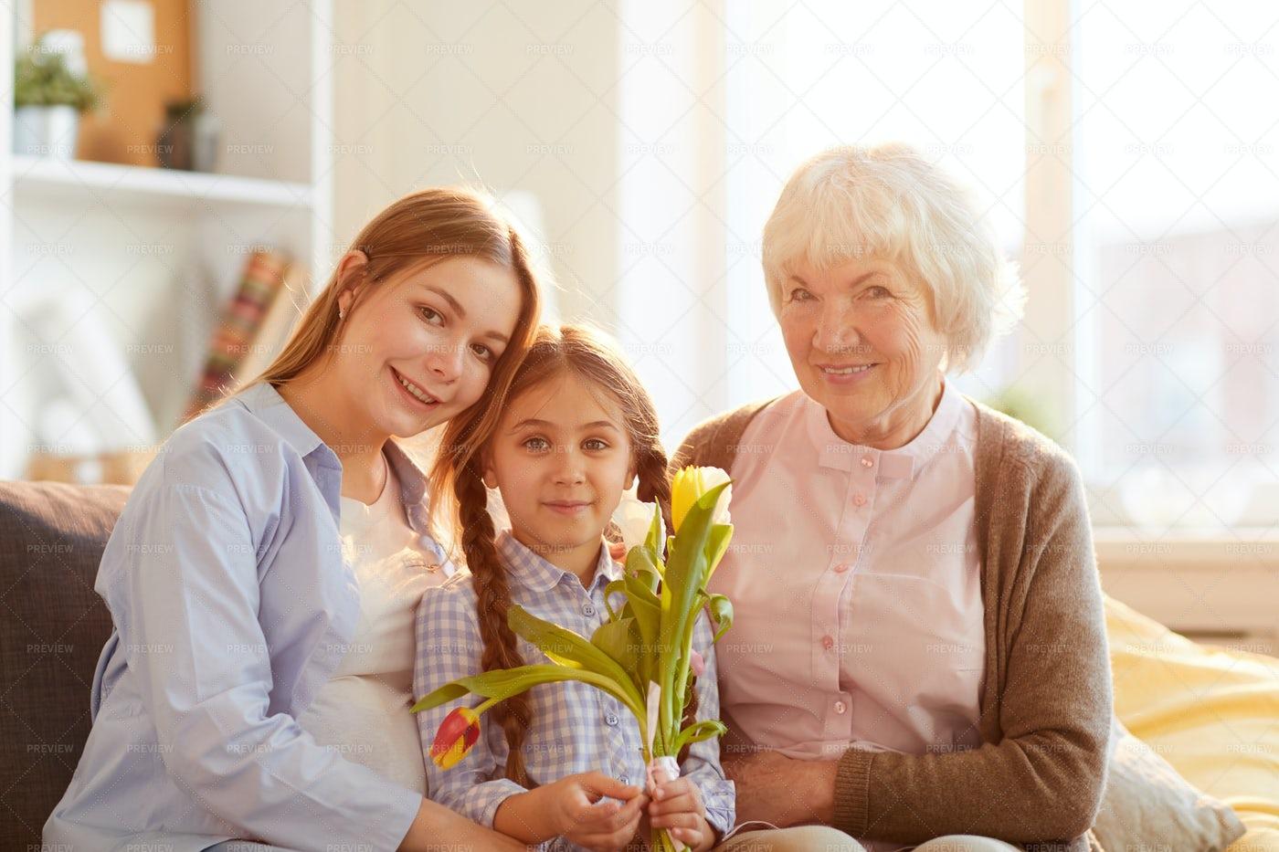Women In Family Posing: Stock Photos