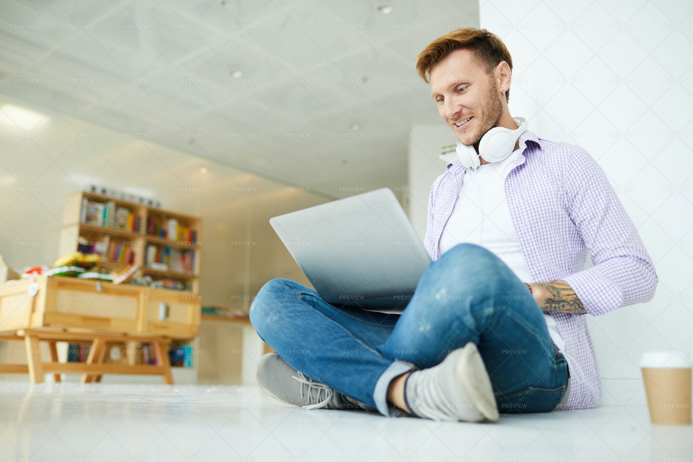 Student Surfing Net: Stock Photos