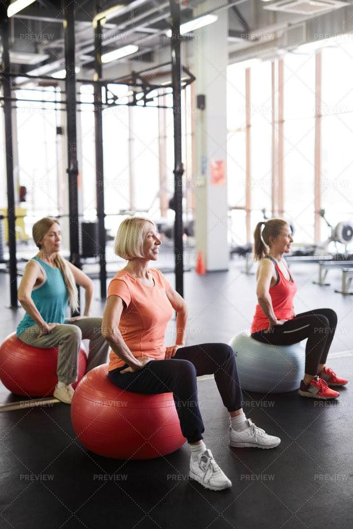 Mature Women Working Out In Gym: Stock Photos