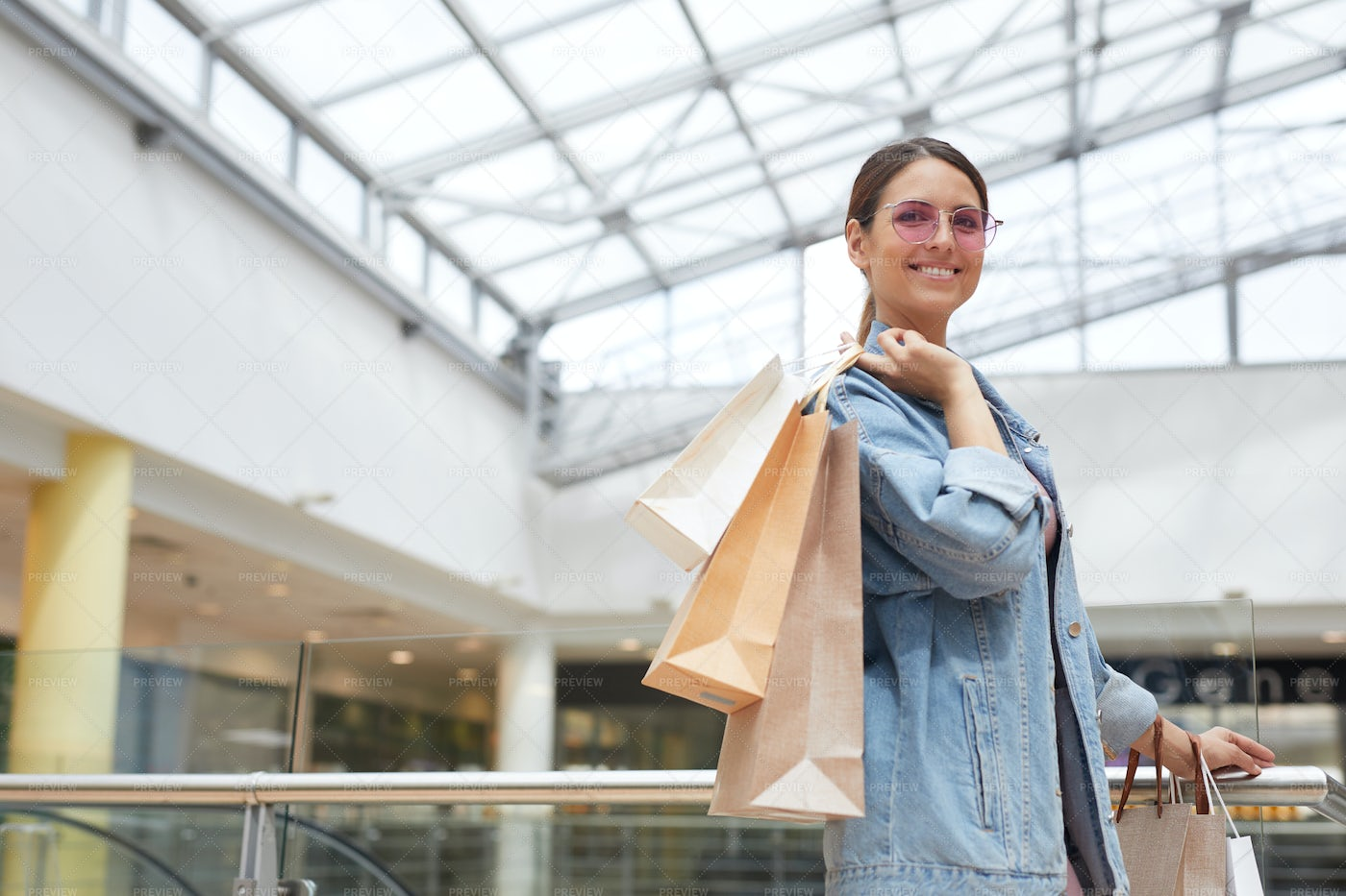 Happy About Shopping: Stock Photos