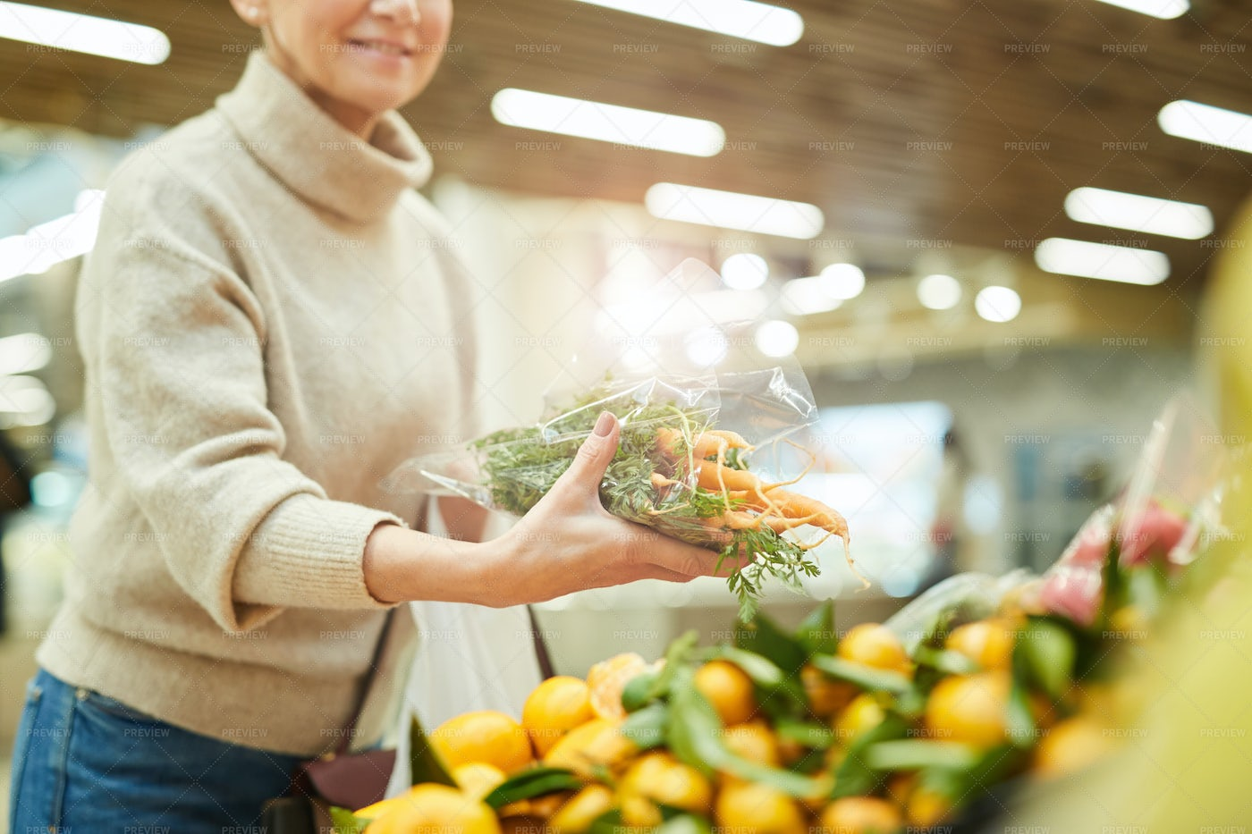 Woman Buying Fresh Vegetables: Stock Photos