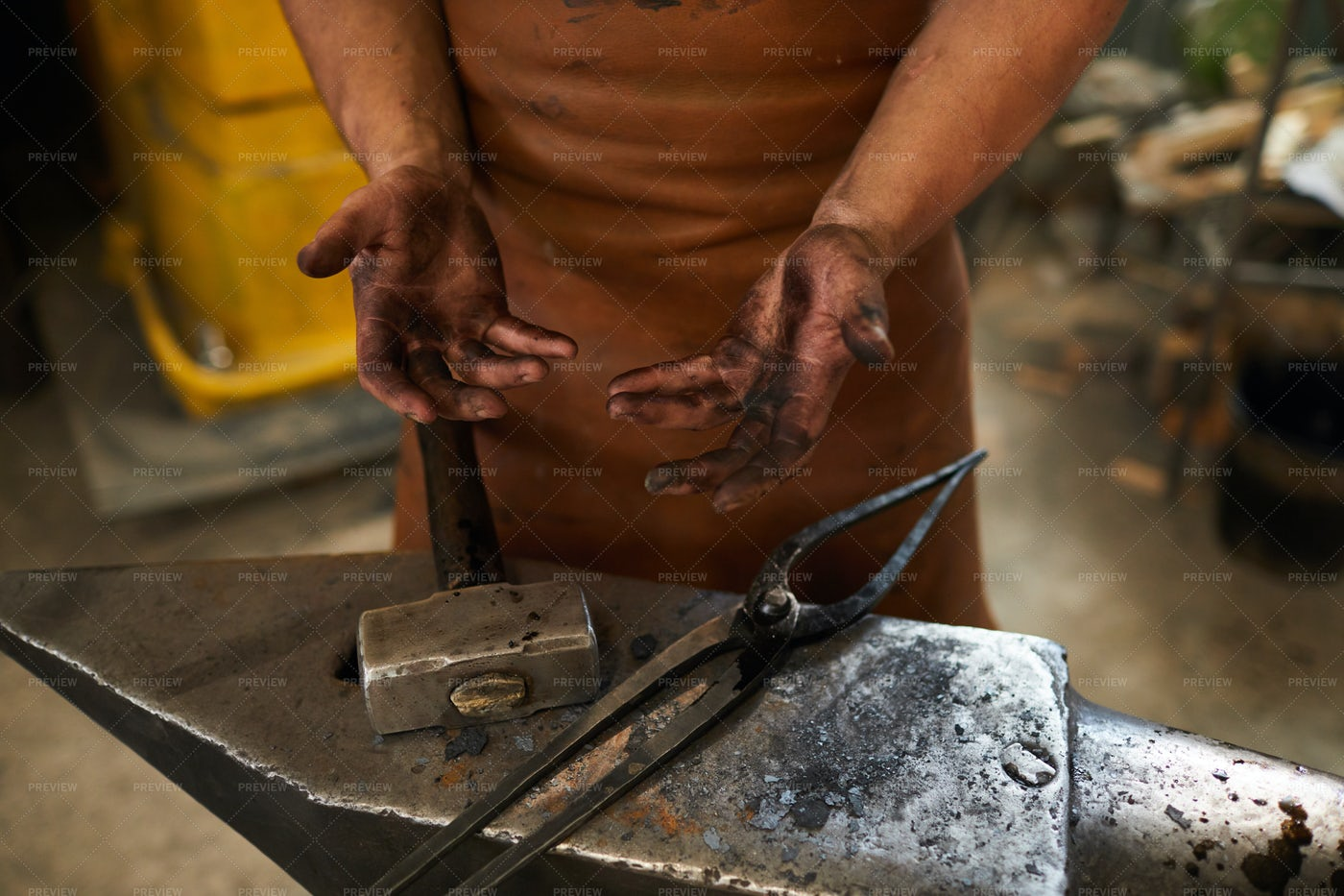 Dirty Hands Of Blacksmith: Stock Photos