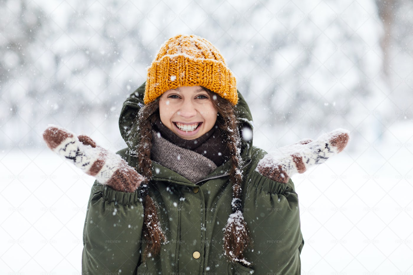 Happy Young Woman In Winter: Stock Photos