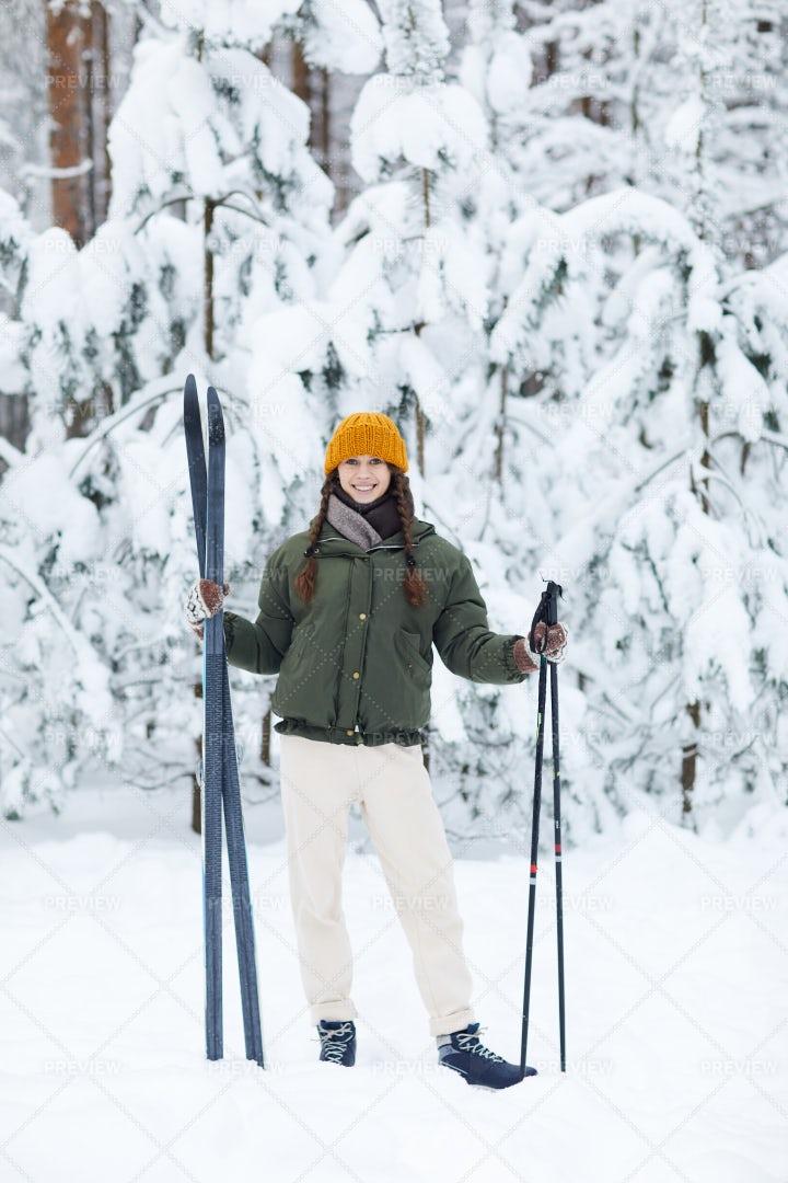 Active Young Woman Skiing: Stock Photos