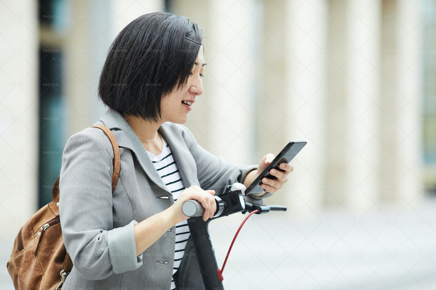 Asian Woman In City: Stock Photos