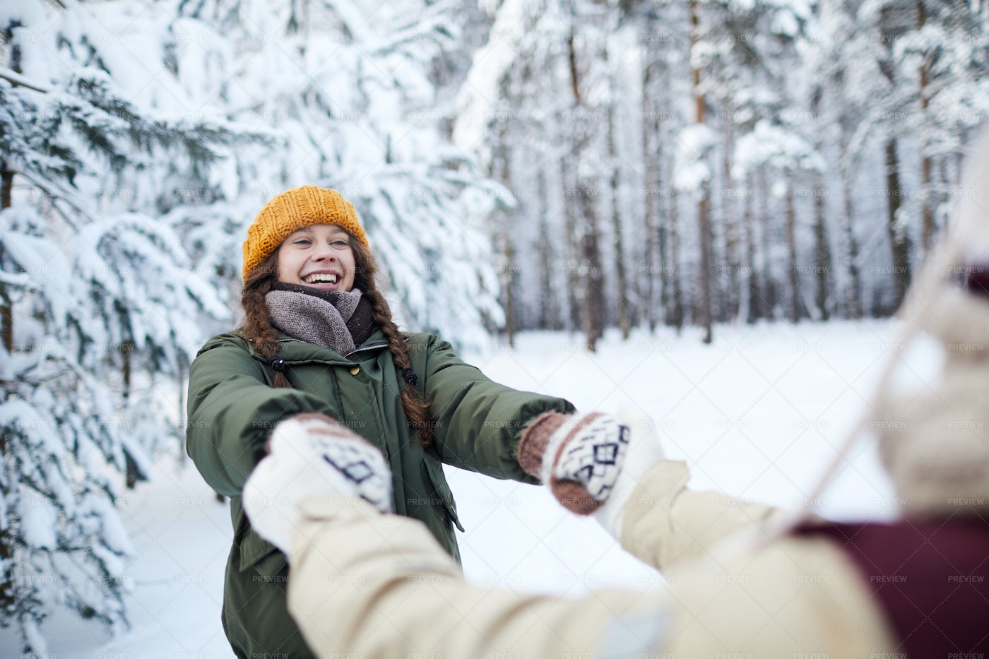 Playful Couple In Winter: Stock Photos