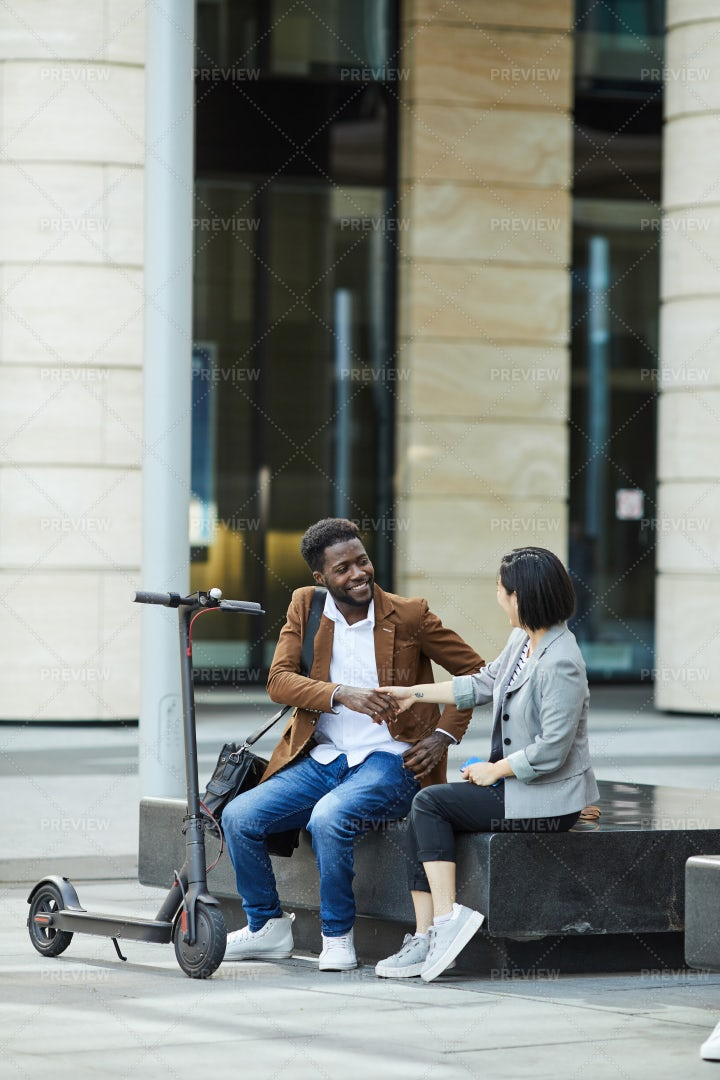 Young Couple Meeting In City: Stock Photos