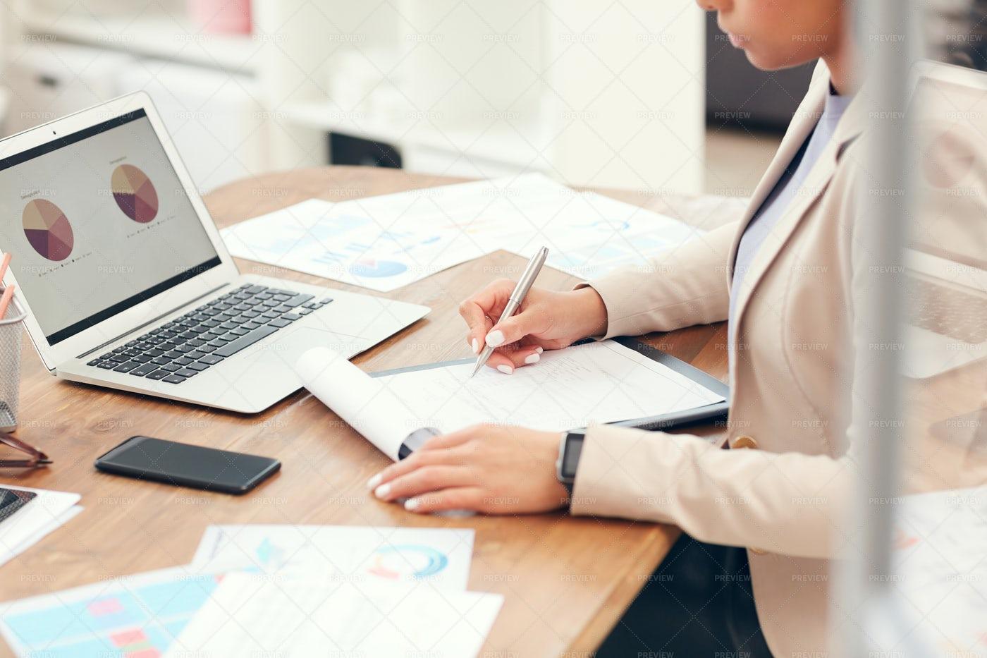 Female Boss In Office: Stock Photos