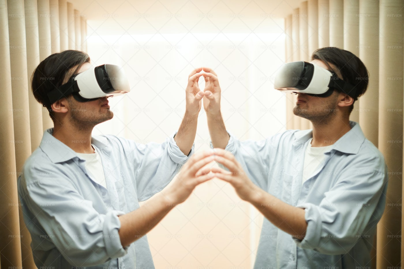 VR Clone: Stock Photos