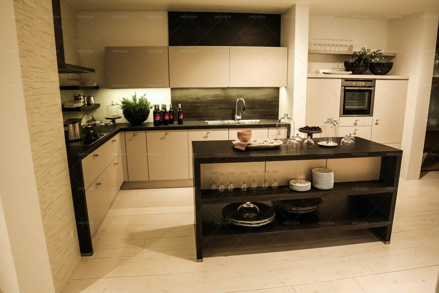 Black And White Modern Kitchen: Stock Photos