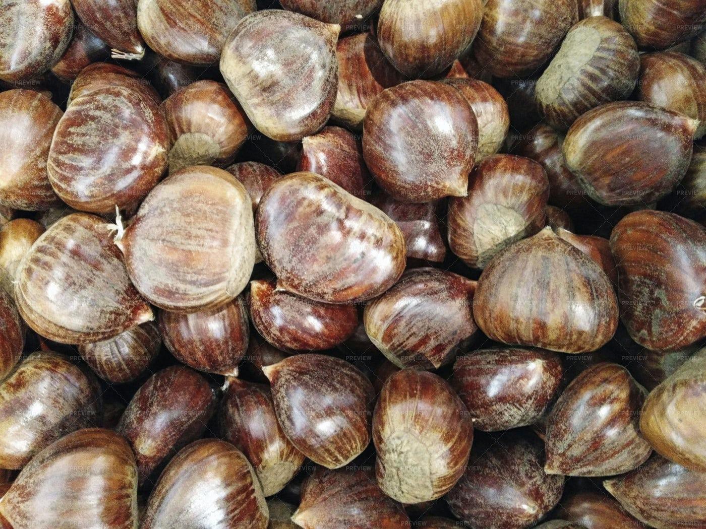 Chestnuts: Stock Photos