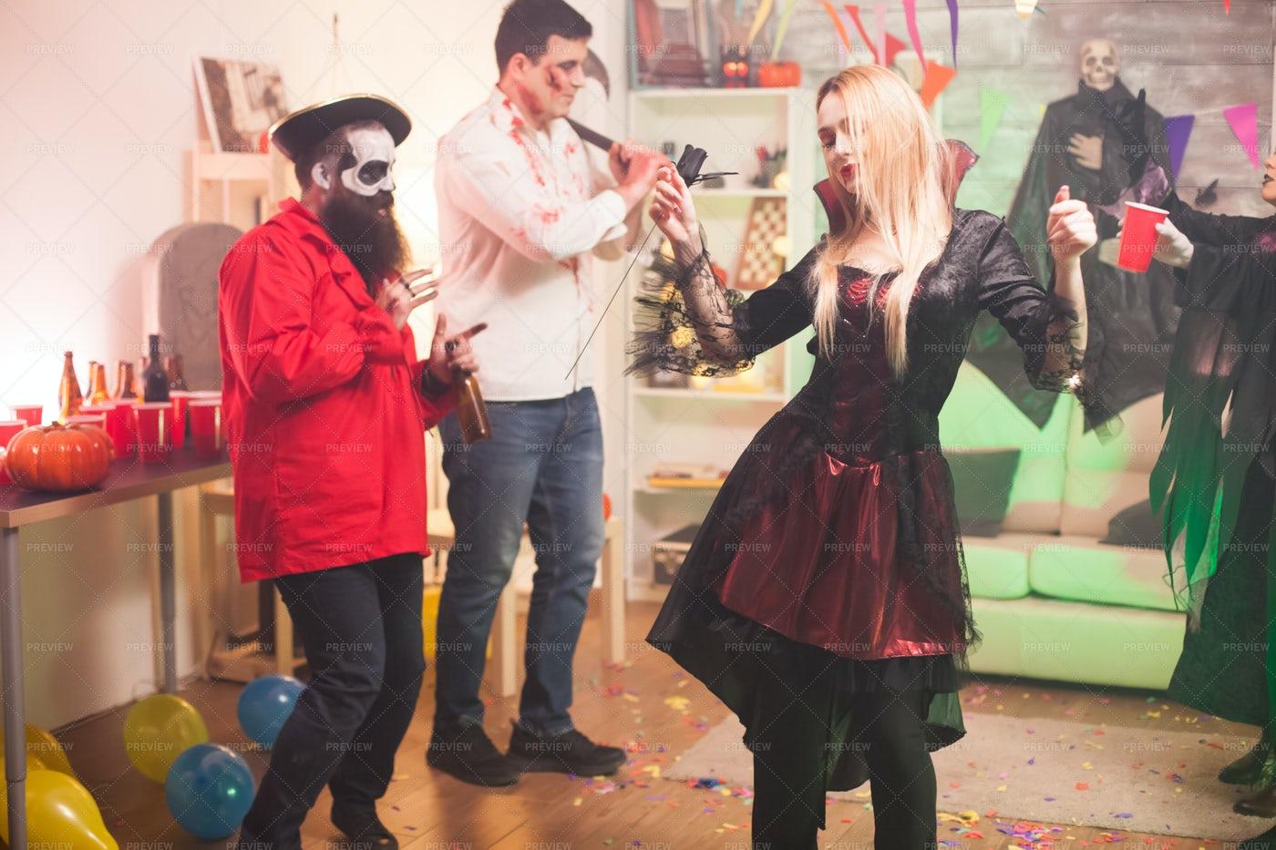 Halloween Party: Stock Photos