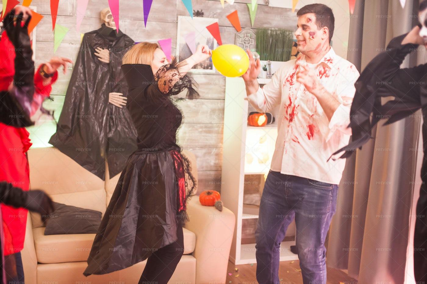 Dancing In Halloween: Stock Photos