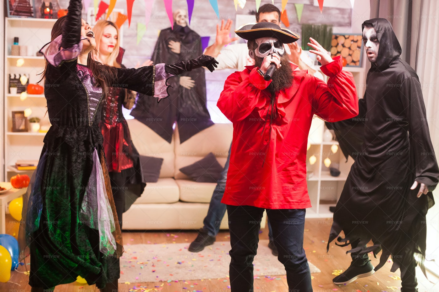 Halloween Karaoke Party: Stock Photos