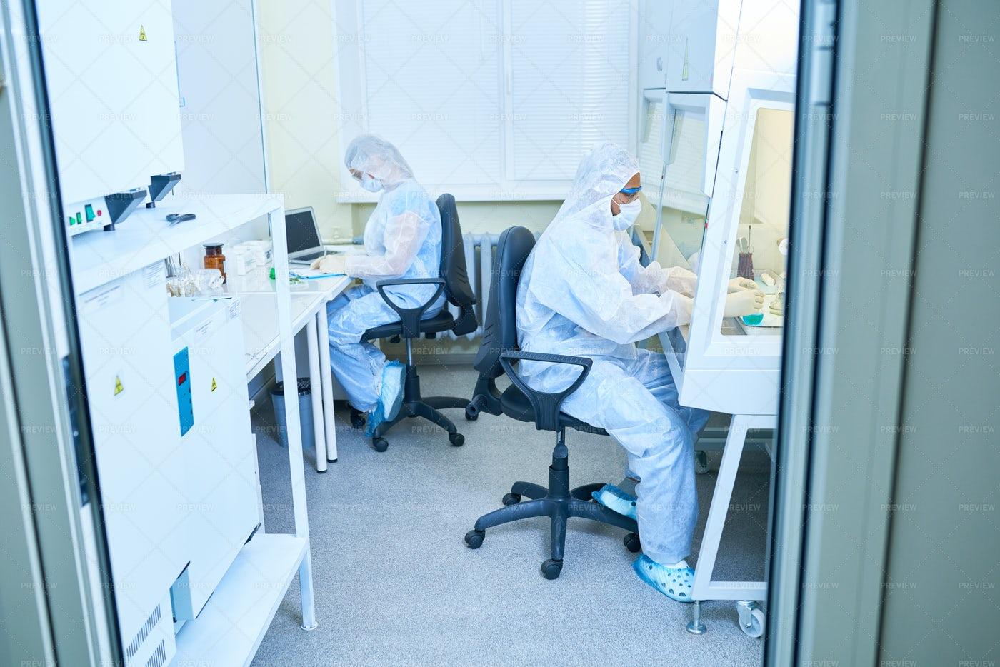 Biohazard Laboratory: Stock Photos