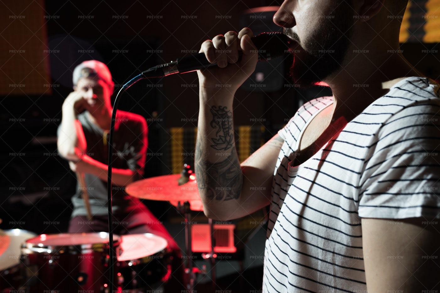 Band Frontman: Stock Photos
