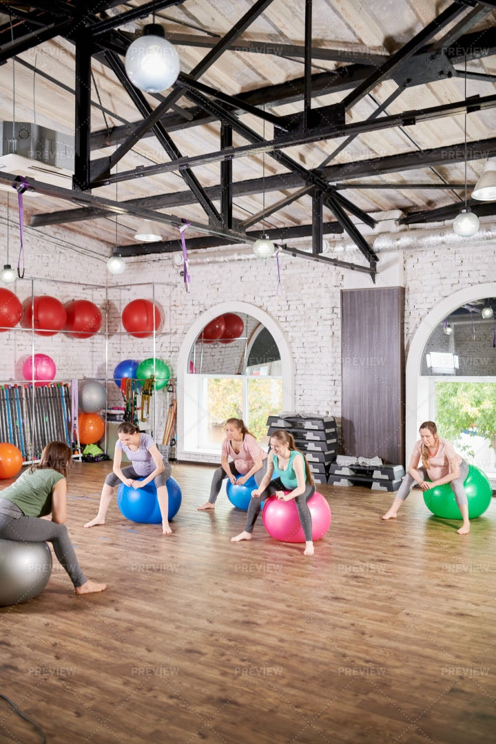 Fitness Class For Pregnant Women: Stock Photos