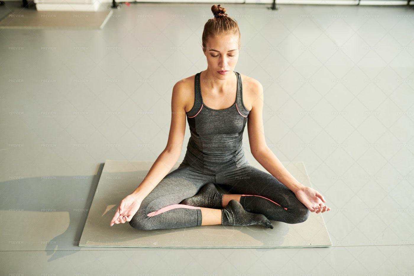 Beautiful Woman Meditating: Stock Photos