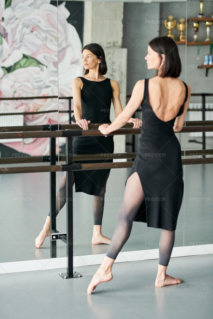 Elegant Ballerina: Stock Photos