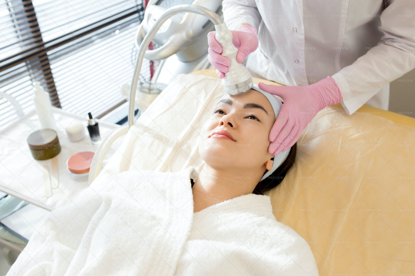Skincare Treatment: Stock Photos