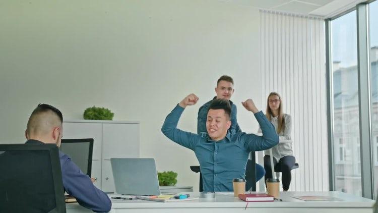 Businessman Celebrating: Stock Video