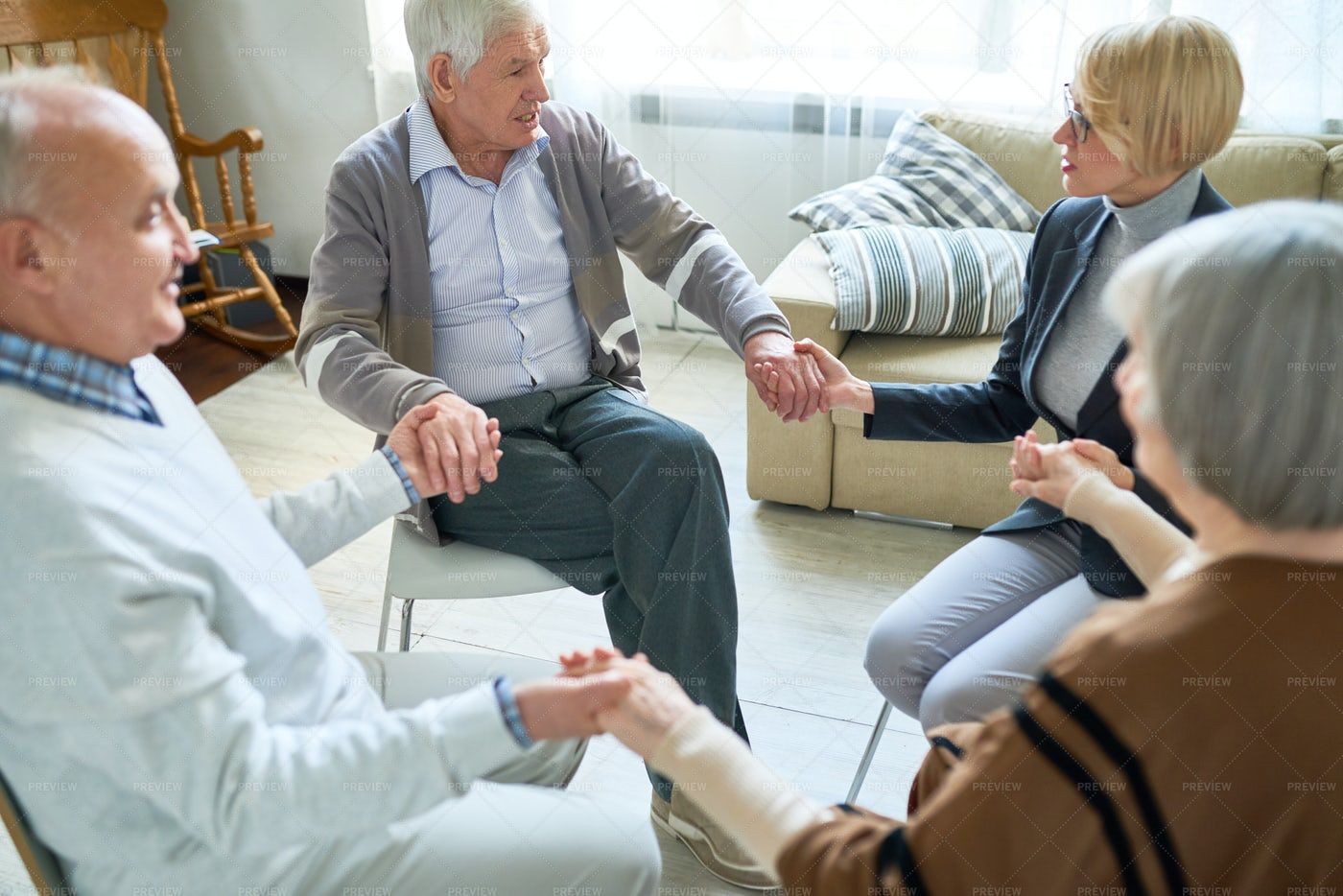 Support Circle For Senior People: Stock Photos