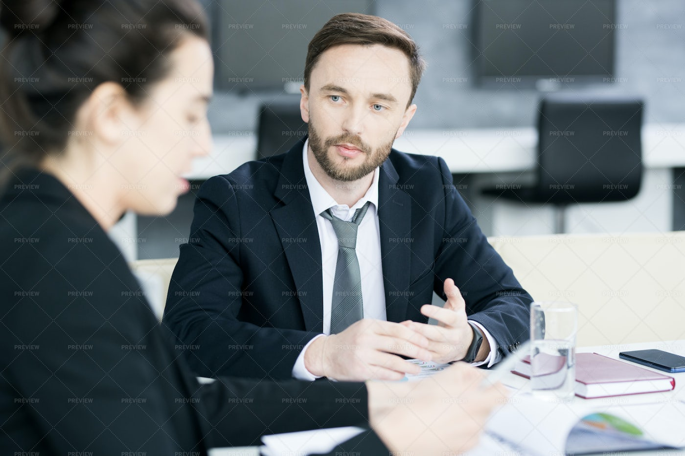 Business People Discussing...: Stock Photos