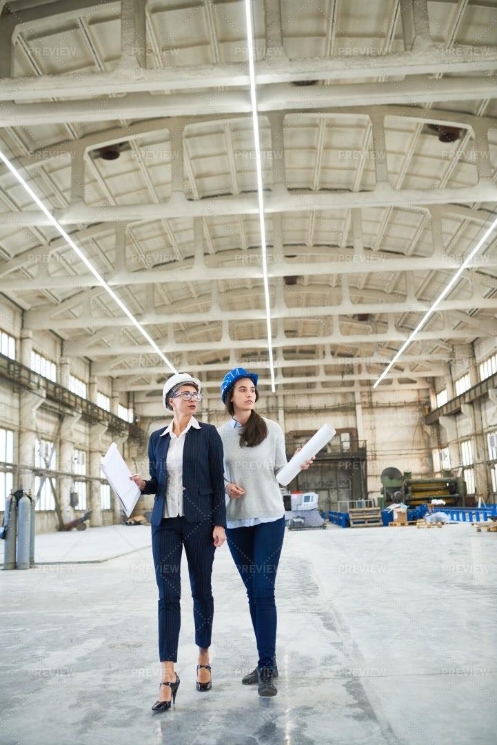 Female Engineering Crew: Stock Photos