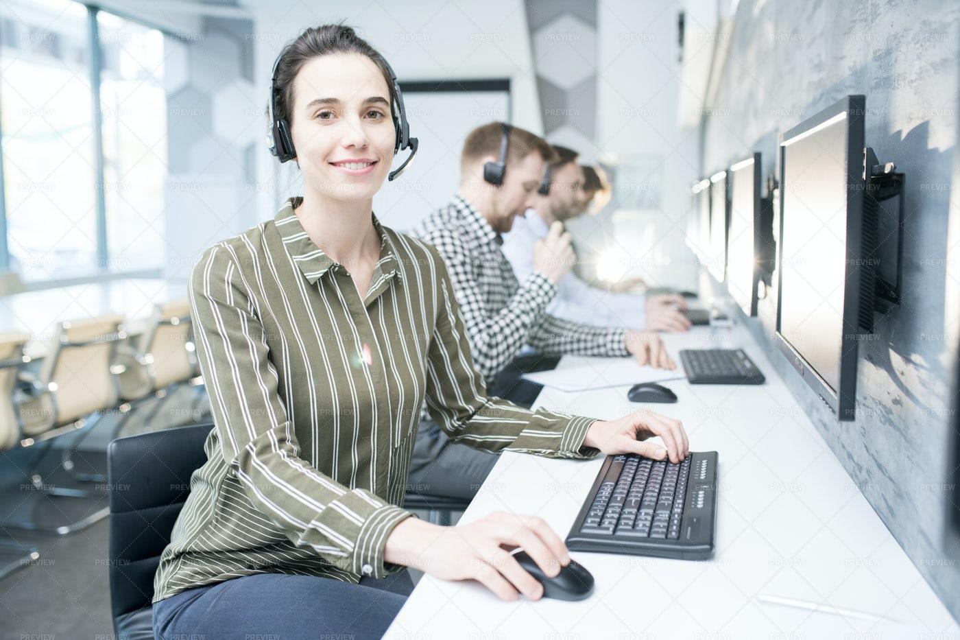 Female  Customer Support Operator: Stock Photos