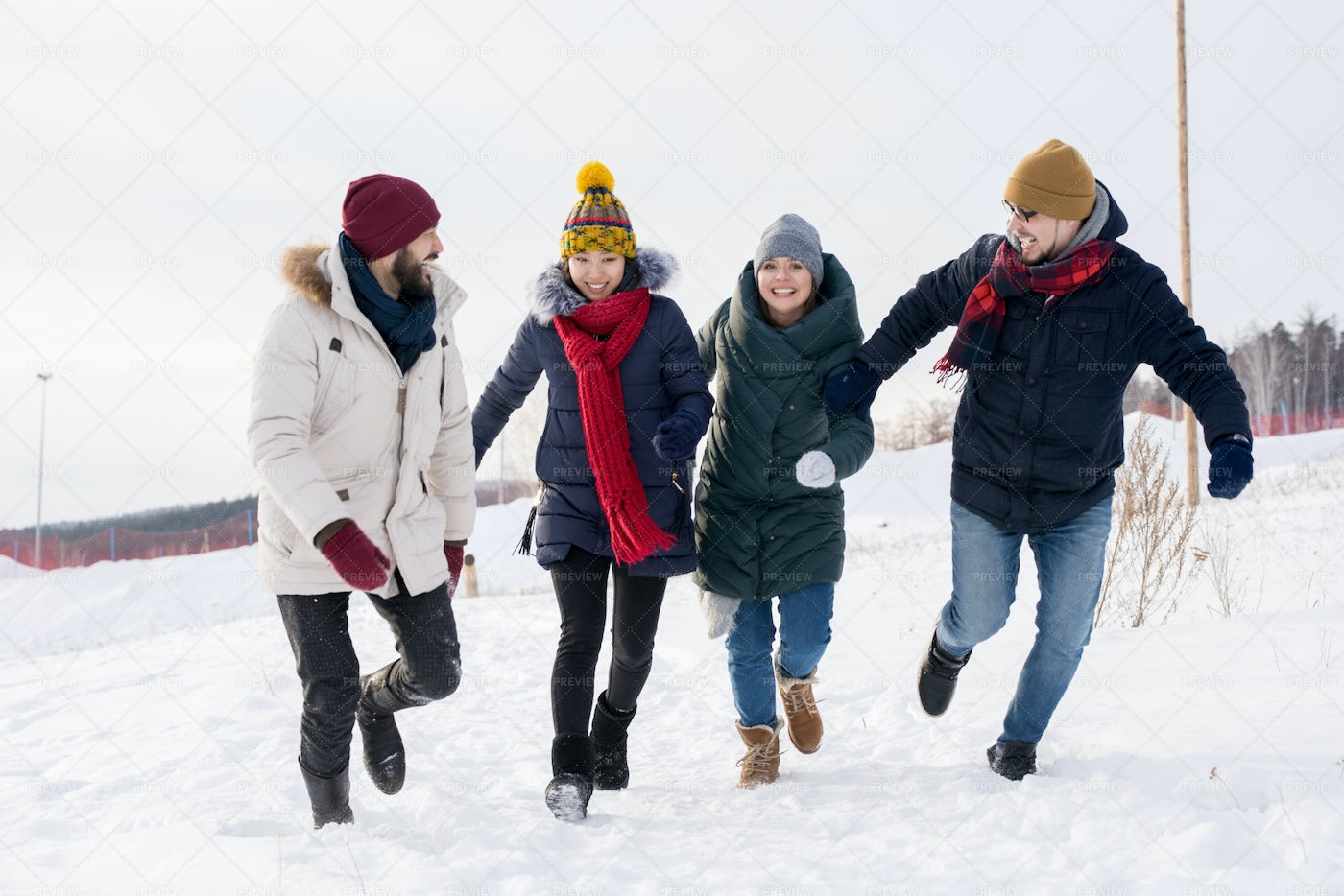 Young People Having Fun In Winter: Stock Photos